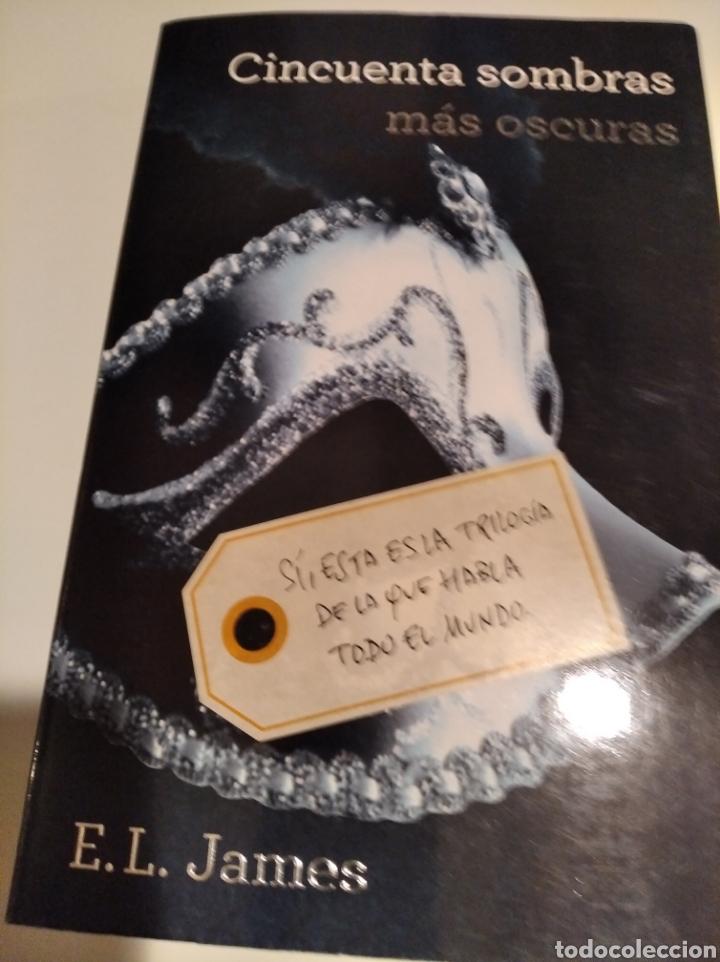 Libros de segunda mano: ,50 SOMBRAS DE GREY . COMPLETA AUTOGRAFO A MANO FIRMADOS POR LA AUTORA - Foto 4 - 235692365
