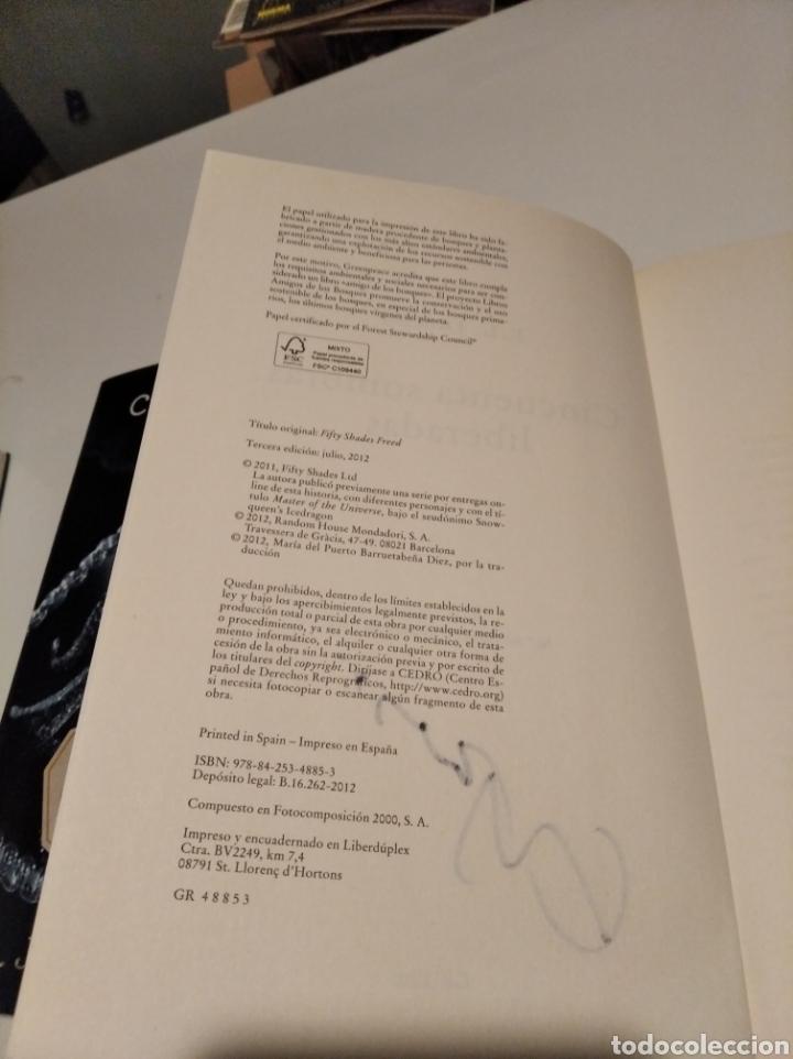 Libros de segunda mano: ,50 SOMBRAS DE GREY . COMPLETA AUTOGRAFO A MANO FIRMADOS POR LA AUTORA - Foto 6 - 235692365