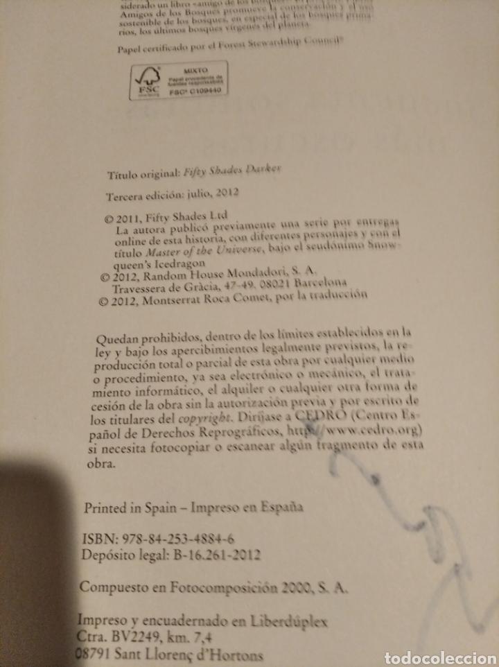 Libros de segunda mano: ,50 SOMBRAS DE GREY . COMPLETA AUTOGRAFO A MANO FIRMADOS POR LA AUTORA - Foto 8 - 235692365