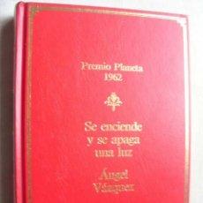 Libros de segunda mano: SE ENCIENDE Y SE APAGA LA LUZ. VÁZQUEZ, ÁNGEL. 1987. Lote 44139583