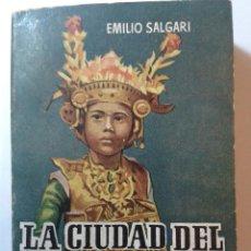 Libros de segunda mano: LA CIUDAD DEL REY LEPROSO -ENCICLOPEDIA PULGA-. Lote 46501728