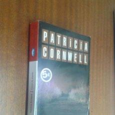 Libros de segunda mano: CAUSA DE MUERTE / PATRICIA CONRWELL / BYBLOS BOLSILLO 1ª EDICIÓN 2006. Lote 49511954
