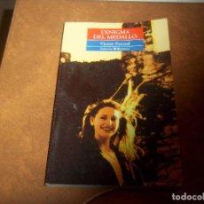 Libros de segunda mano: L'ENIGMA DEL MEDALLO VICENT PASCUAL EDICIONS BROMERA 1996. Lote 75643215