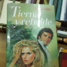 Libros de segunda mano: LIBRO TIERNA Y REBELDE JOHANNA LINDSEY 1990 ED. CIRCULO DE LECTORES L-1405-220. Lote 85031064