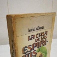 Libros de segunda mano: 83-LA CASA DE LOS ESPIRITUS, ISABEL ALLENDE, 1982. Lote 92707960