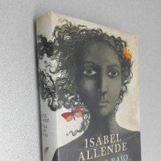 Libros de segunda mano: LA ISLA BAJO EL MAR / ISABEL ALLENDE / DEBOLSILLO 1ª EDICIÓN 2010. Lote 98383779