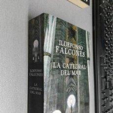 Libros de segunda mano: LA CATEDRAL DEL MAR / ILDEFONSO FALCONES / DEBOLSILLO 2013. Lote 98613507