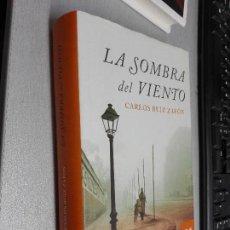Libros de segunda mano: LA SOMBRA DEL VIENTO / CARLOS RUIZ ZAFÓN / PLANETA 2005. Lote 98885375