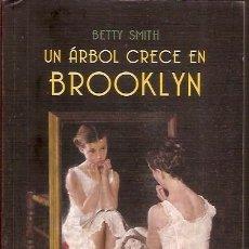 Libros de segunda mano: UN ARBOL CRECE EN BROOKLYN BETTY SMITH DEBOLSILLO. Lote 103757151