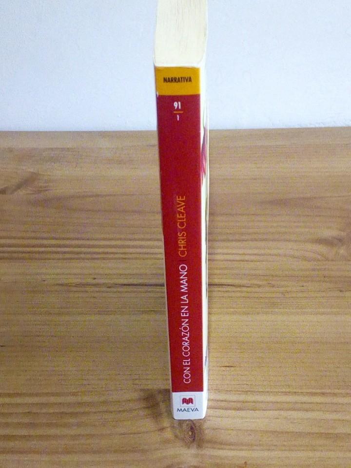 Libros de segunda mano: CON EL CORAZÓN EN LA MANO, CLEAVE CHIS. EMBOLSILLO. 1 ª ed. 1 ª imp. 2012 - Foto 5 - 102479831
