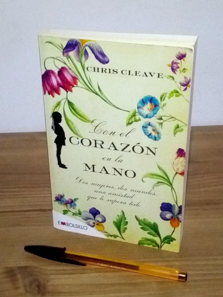 Libros de segunda mano: CON EL CORAZÓN EN LA MANO, CLEAVE CHIS. EMBOLSILLO. 1 ª ed. 1 ª imp. 2012 - Foto 4 - 102479831