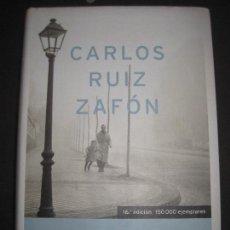 Libros de segunda mano: CARLOS RUIZ ZAFÓN, LA SOMBRA DEL VIENTO. Lote 110207107