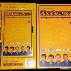 Libros de segunda mano: 5HOMBRES.COM + VHS EN CAJA ORIGINAL ¿FINGEN ELLOS LOS ORGASMOS? 5 HOMBRES .COM EL CLUB DE LA COMEDIA. Lote 112938895