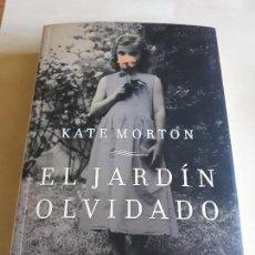 Libros de segunda mano: EL JARDIN OLVIDADO.KATE MORTON.. Lote 127662759