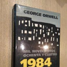 Libros de segunda mano: MIL NOVECIENTOS OCHENTA Y CUATRO 1984. GEORGE ORWELL. SAURA 1998. Lote 127936387