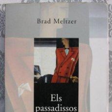 Libros de segunda mano: ELS PASSADISSOS DEL PODER. BRAD MELTZER.. Lote 137748954