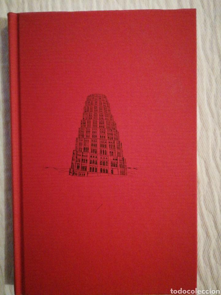 LA CONSTRUCCIÓN DE LA TORRE DE BABEL /SOBRE LA NECESIDAD DE LA TRAICIÓN JUAN BENET. 1ª ED 1990 (Libros de Segunda Mano (posteriores a 1936) - Literatura - Narrativa - Otros)