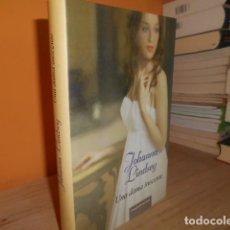 Libros de segunda mano: UNA DAMA INOCENTE / JOHANNA LINDSEY. Lote 151565282