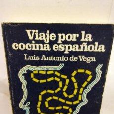 Libros de segunda mano: BJS.LUIS ANTONIO DE VEGA.VIAJE POR LA COCINA ESPAÑOLA.EDT, SALVAT.BRUMART TU LIBRERIA.. Lote 152109890