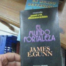 Libros de segunda mano: LIBRO EL MUNDO FORTALEZA JAMES E GUNN ED DRONTE L-11029-546. Lote 152289182
