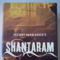 Libros de segunda mano: CTC - AÑO 2006 - SHANTARAM . GREGORY DAVID ROBERTS - UMBRIEL - 1152 PAGINAS - BUEN ESTADO. Lote 152842078