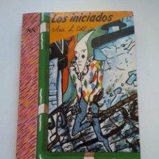 Libros de segunda mano: LOS INICIADOS/. Lote 156011113