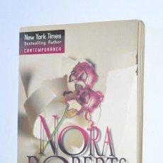 Libros de segunda mano: LIBRO CON LOS BRAZOS ABIERTOS NORA ROBERTS HARLEQUIN IBÉRICA 2004 NEW YORK TIMES BESTSELLING AUTHOR. Lote 168544892