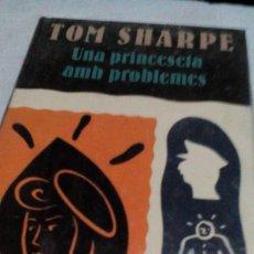 Libros de segunda mano: RXX. /LIBRO CATALAN/NUEVO PRECINTADO /TOM SHARPE/UNA PRINCESETA AMB PROBLEMESMIDE APROX13X21CM,. Lote 170571676