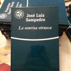 Libros de segunda mano: LA SONRISA ETRUSCA. JOSÉ LUIS SAMPEDRO. BIBLIOTEX 2001. 255PGS. Lote 171678873