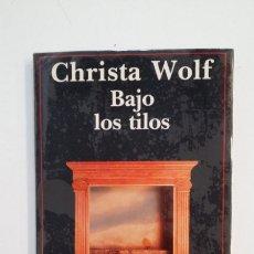 Libros de segunda mano: BAJO LOS TILOS. - CHRISTA WOLF. TDK413. Lote 174915737