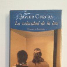 Libros de segunda mano: LA VELOCIDAD DE LA LUZ. - JAVIER CERCAS. CIRCULO DE LECTORES. NUEVO. TDK414. Lote 174930859