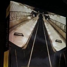 Libros de segunda mano: AGATHA CHRISTIE. EL HOMBRE DEL TRAJE COLOR CASTAÑO. CIANURO ESPUMOSO. DEBOLSILLO 2004 1ª EDICION.. Lote 176622588