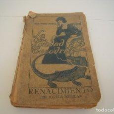 Libros de segunda mano: LA SOLEDAD Y EL COCODRILO PORTADA MUY MAL Y ROTA. Lote 176976424