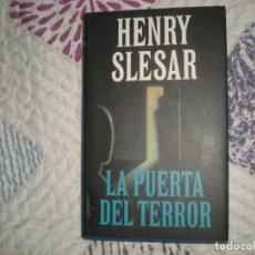 Libros de segunda mano: LA PUERTA DEL TERROR;HENRY SLESAR;CÍRCULO DE LECTORES 1994. Lote 178967905