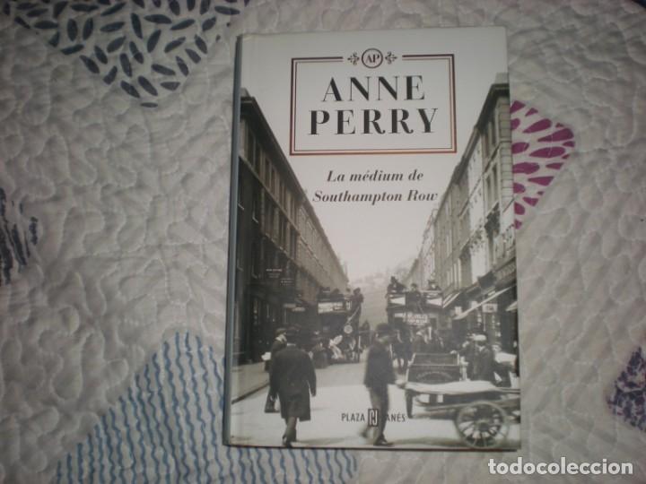 LA MÉDIUM DE SOUTHAMPTON ROW;ANNE PERRY;PLAZA & JANÉS 2003 (Libros de Segunda Mano (posteriores a 1936) - Literatura - Narrativa - Otros)