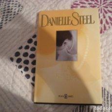 Libros de segunda mano: LA BODA;DANIELLE STEEL;PLAZA & JANÉS 2002. Lote 181496015
