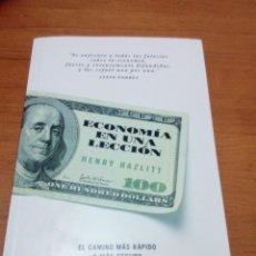 Libros de segunda mano: ECONOMIA EN UNA LECCION HENRY HAZLITT. EST13B1. Lote 186338100