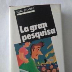 Libros de segunda mano: LA GRAN PESQUISA .TOM SHARPE ( CIRCULO DE LECTORES ). Lote 194326118