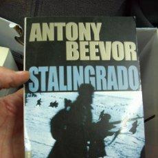 Libros de segunda mano: STALINGRADO, ANTONY BEEVOR. L.6922-616. Lote 194575645