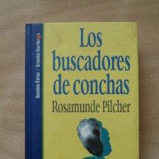 Libros de segunda mano: LOS BUSCADORES DE CONCHAS - ROSAMUNDE PILCHER. Lote 198928970