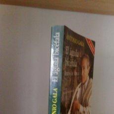 Libros de segunda mano: ANTONIO GALA: EL ÁGUILA BICÉFALA. TEXTOS DE AMOR. AUTOGRAFIADO POR EL AUTOR. Lote 205803691