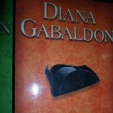 Libros de segunda mano: VIAJERA, DIANA GABALDÓN, ED. SALAMANDRA. Lote 206213368