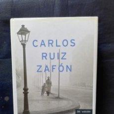 Libros de segunda mano: LA SOMBRA DEL VIENTO- CARLOS RUIZ ZAFÓN. Lote 206470073