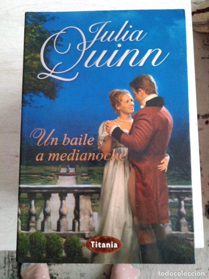 UN BAILE A MEDIANOCHE. JULIA QUINN (Libros de Segunda Mano (posteriores a 1936) - Literatura - Narrativa - Otros)