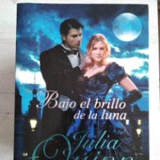 Libros de segunda mano: BAJO EL BRILLO DE LA LUNA. JULIA QUINN. Lote 207478413