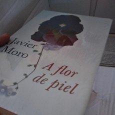 Libros de segunda mano: JAVIER MORO - A FLOR DE PIEL - CIRCULO DE LECTORES NUEVO PREECINTADO. Lote 214367556
