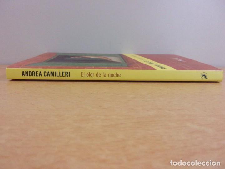Libros de segunda mano: EL OLOR DE LA NOCHE / ANDREA CAMILLERI / 2019. SALAMANDRA - Foto 6 - 217962510