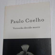 Libros de segunda mano: VERONIKA DEBE MORIR - PAULO COELHO. Lote 218838678