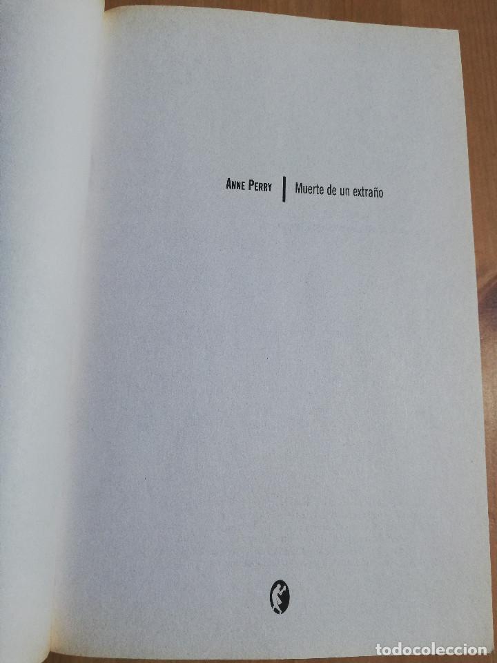 Libros de segunda mano: MUERTE DE UN EXTRAÑO (ANNE PERRY) - Foto 2 - 220433206