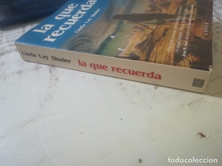 Libros de segunda mano: La que recuerda - Linda Lay Shuler - Foto 9 - 246356685